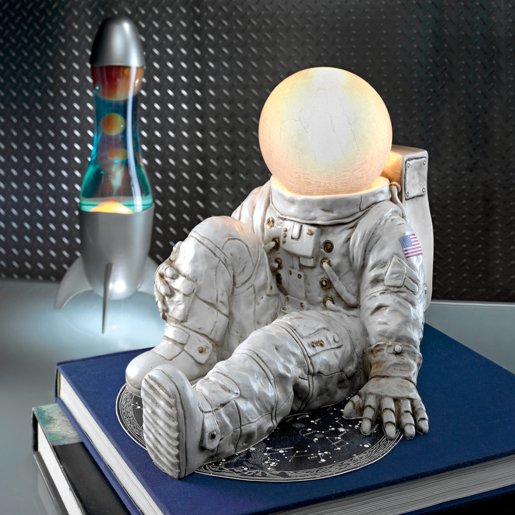 Astronaut at Ease Lighted Sculpture (KY7507)